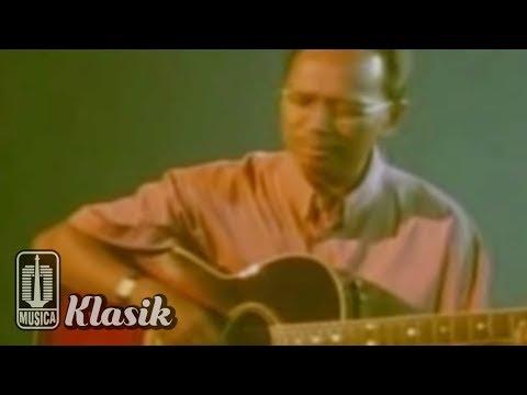 Ebiet G Ade - Lagu Untuk Sebuah Nama (Karaoke Video)
