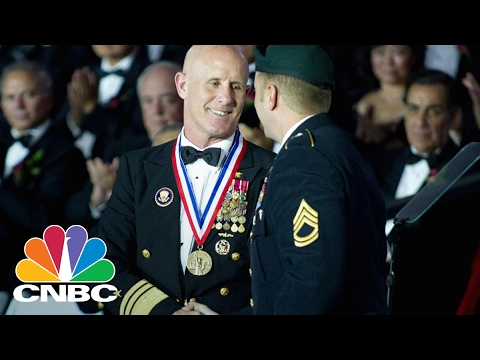 Robert Harward Turns Down President Trump's NSA Offer | CNBC