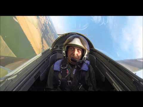 Aero L-29 Dolphin - LKTB Jet Fighter training flight
