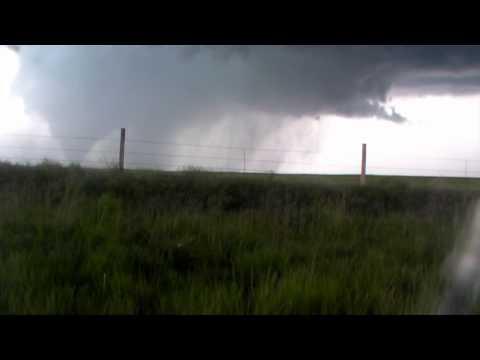Time-Lapse Video Tracks Advancing Tornado