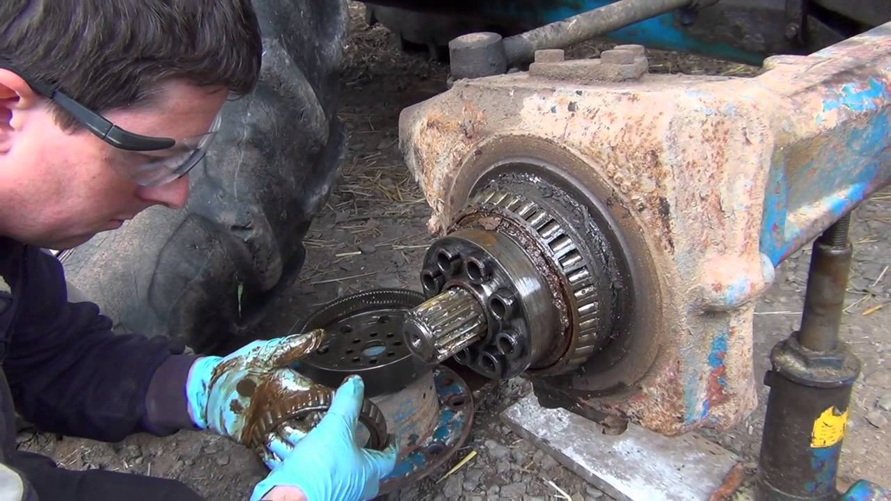 Ford 6610 Hub Repair 2014 Youtube