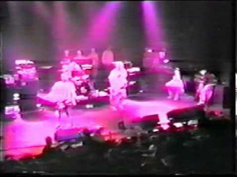 Blink-182 - M&M's (Live @ Montreal 11/03/96)