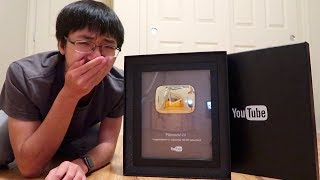 LOSER CRIES OVER YOUTUBE SILVER PLAY BUTTON UNBOXING (EMOTIONAL)