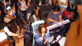Moira dela Torre LIVE at Container Turf (2)