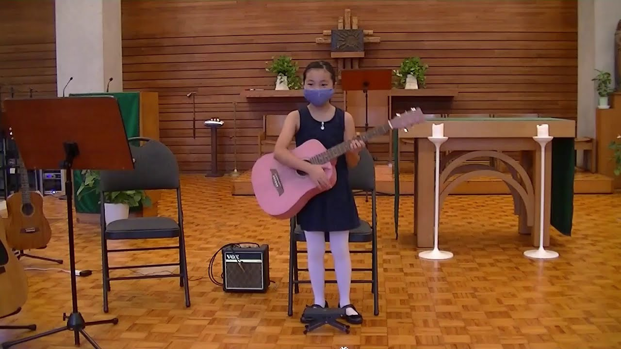 "Hanako plays ""Ode to Joy"" in the TAGA Student Recital"