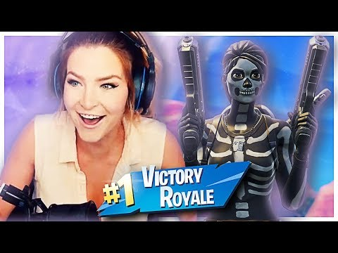 CARRYING 12 YEAR OLD KIDS TO A WIN! (Fortnite: Battle Royale Gameplay) | KittyPlays