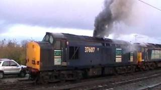 DRS class 37 No. 37607 fires up at York in the sidings. CLAG MONSTER!! 24.11.10.