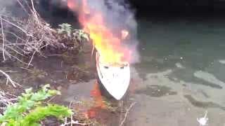 RC boat melts after catching fire