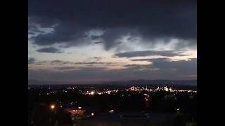 Странные огни над горной стороной района Солт-Лейк-Сити, 31 мая 2017 года
