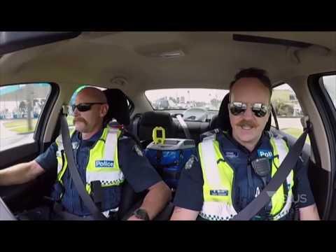 Highway Patrol Motorbike Chase Melbourne - Motorbike escapes