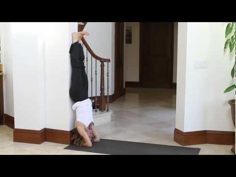 Headstand Yoga Pose for Beginners (Sirsasana) with Holly Mosier