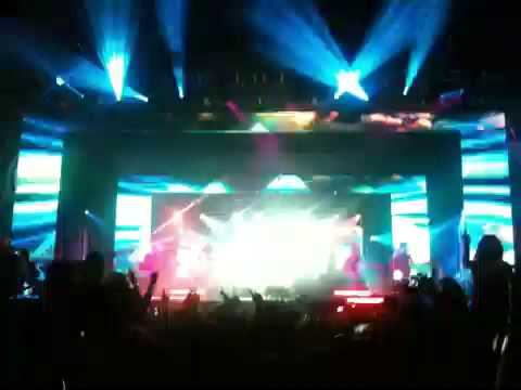 Empire of the Sun - We Are The People (live parklife 09 perth)