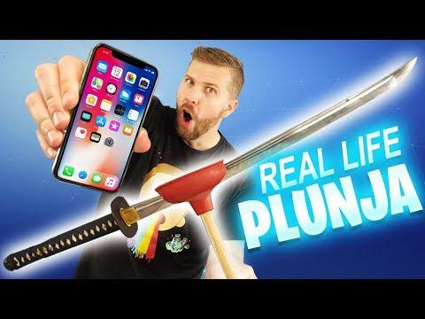 iPhone X vs REAL LIFE Plunja Fortnite