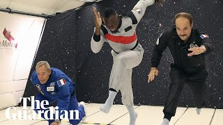 Usain Bolt floats to victory in zero-gravity race thumbnail