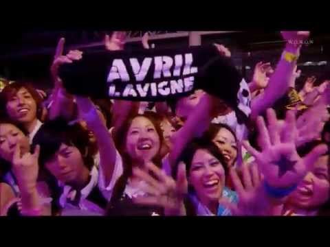 [LIVE 2011] Avril Lavigne - He Wasn't + played with her fans