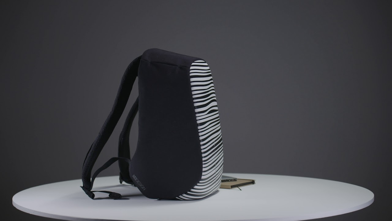 10df87843e Městský bezpečnostní batoh Bobby Compact Print XD Design zebrovaný