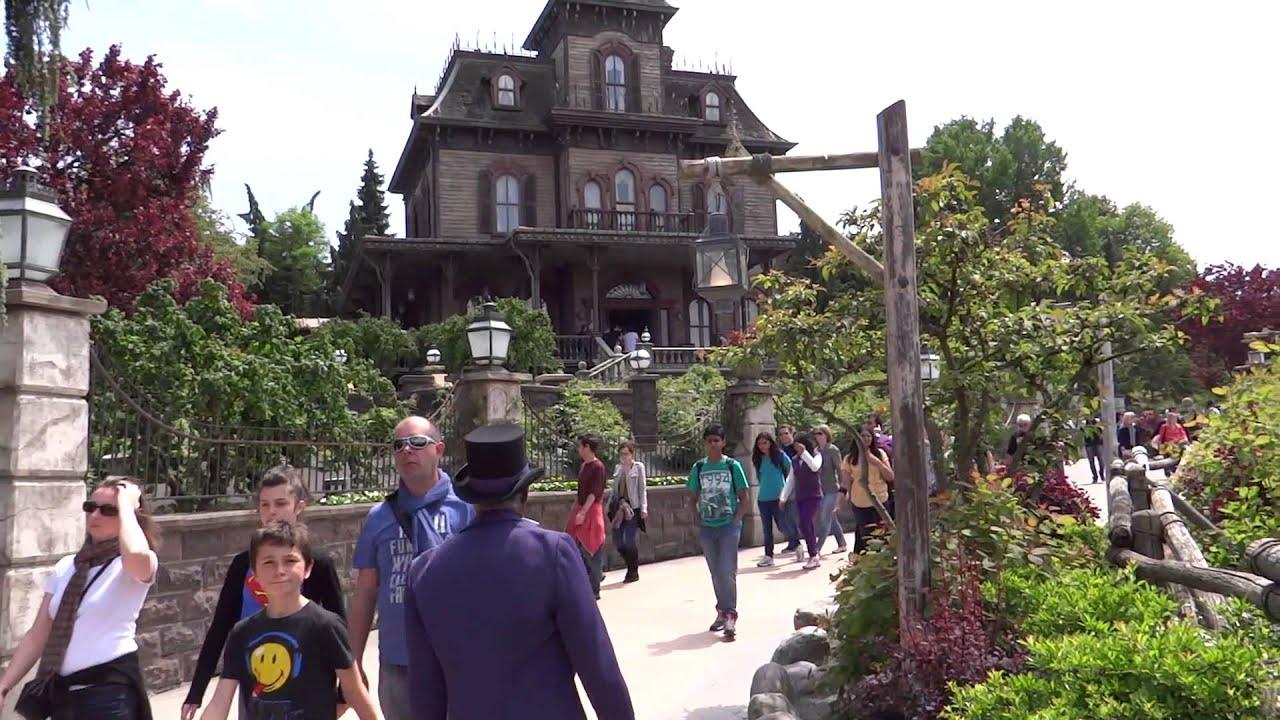Disneyland Paris Frontierland 360 view - YouTube