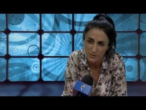 Rica charla con Barbara Torres en su visita en EL DEBATE