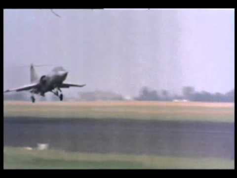 Touch-roll-touch in a F-104