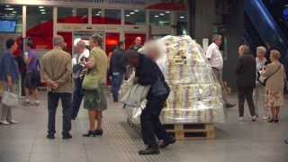 100 miljoen euro achtergelaten in een treinstation