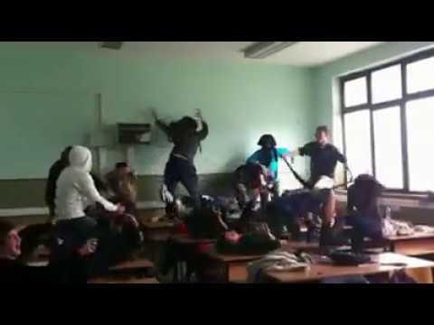 Harlem Shake IV-7 Gimnazija Goce Delcev Kumanovo