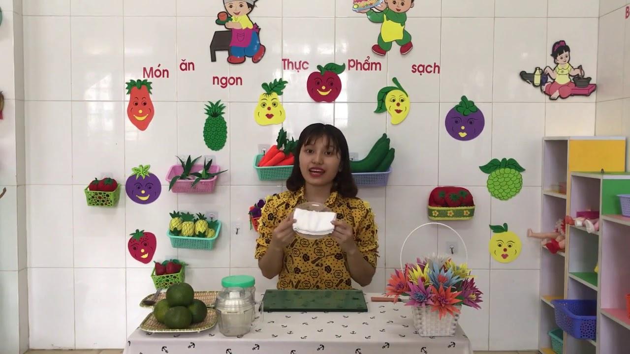 Cô Tạ Lan Anh, MN Tây Giang, Tiền Hải  Vắt nước cam