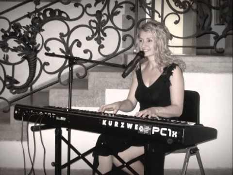 Sängerin für Firmenfeier in Berlin und Brandenburg