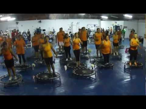 Aula de Power Jump - Lançamento do Mix 31 - V8 Academia