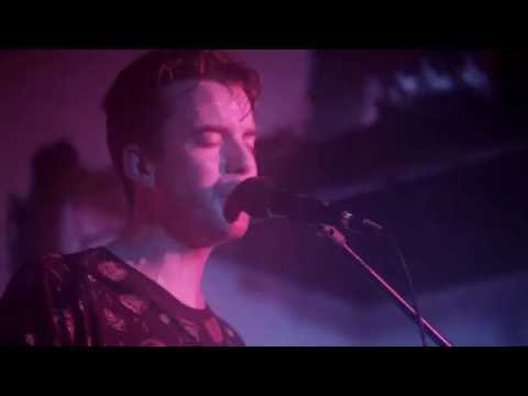 Skeletons - Heartbreak Road (live / Bill Withers Cover)
