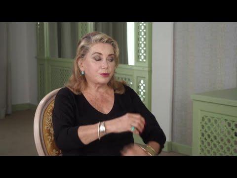 ZAZ - Sous le ciel de Paris (Clip officiel) from YouTube · Duration:  3 minutes 17 seconds