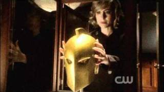 "Smallville - 10x01: ""Lazarus"" [Chloe and  the Nabu helmet]"