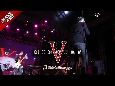 SELALU MENUNGGUMU | Geboy! Richie Goyang Dangdut Pas Five Minutes Bawain Lagu ini [Live Bulukumba]