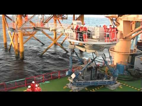 Offshore Crew Transfer Ampelmann.wmv