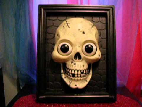 halloween animated talking skull in picture frame - Talking Skull Halloween