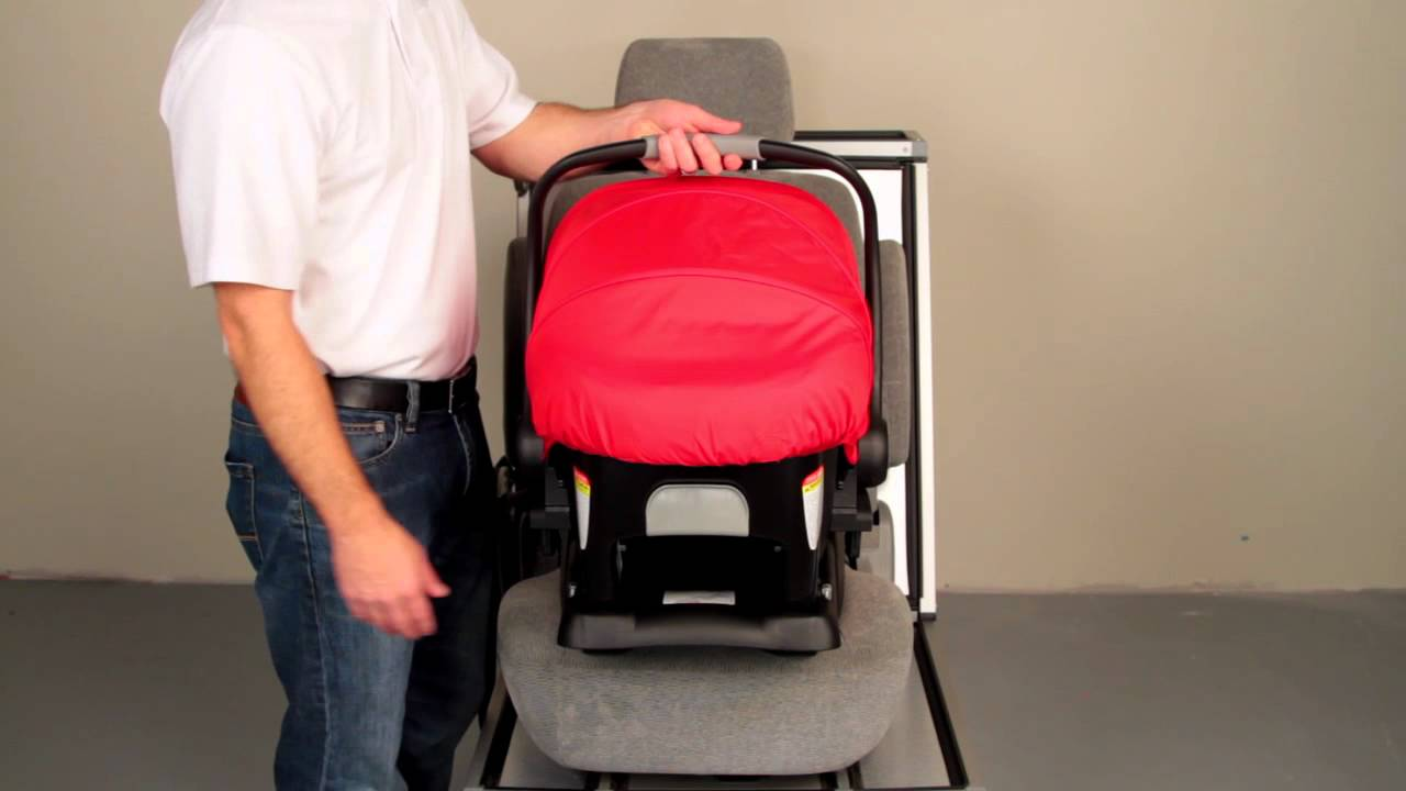BRITAX B SAFE Removing The Car Seat From Base