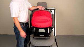 BRITAX B-SAFE: Removing the Car Seat from the Base