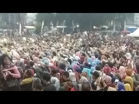 Live Streaming .. Nisa Sabyan Di Panjalu - Ciamis