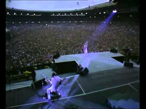 queen live wembley