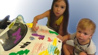 The children painted the car /The Bath Song & Johny Johny Song