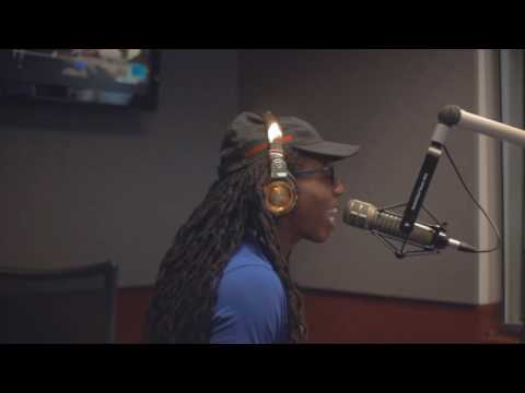Jacquees Live Freestyle with Greg Street and V103
