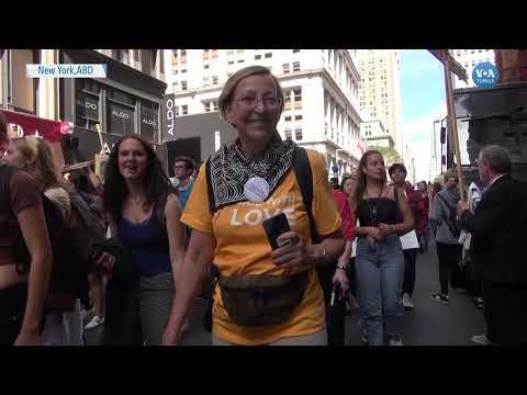 New York'ta Gençler İklim İçin Sokaklardaydı