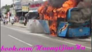 Cháy xe khách kinh hoàng tại Bình Dương