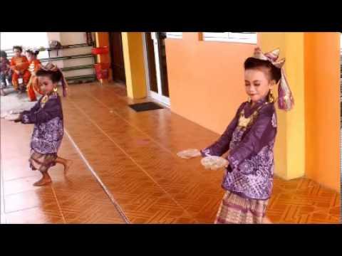 Tari Piring Kreasi Oleh TK Islam Budi Mulia Padang Sumbar
