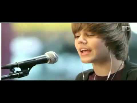 Justin Bieber - Favorite Girl Piano Version Live @ MTV /* with lyrics