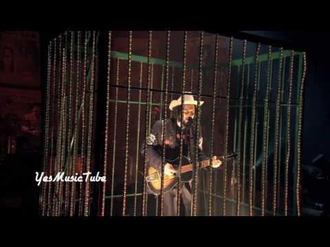 Vinicio Capossela -  Che Coss'è L'amor? Live (Solo Show Alive DVD)