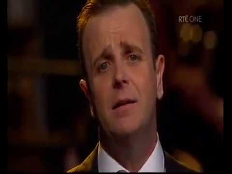 Michael Londra sings Bohemian Rhapsody