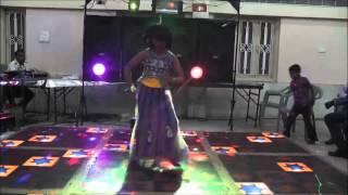 Aayushi Dancing on Radha Teri Chunri from Student of the Year 2012 Hindi Movie.