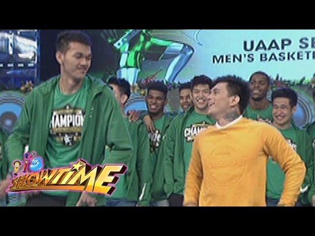 "It's Showtime: DLSU Green Archers' ""Ang Kulit"" dance"