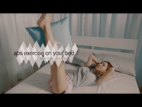 GodRahee. 침대위에서 하는 복근 운동 korea woman's daily life(abs exercise on your bed) 갓라희