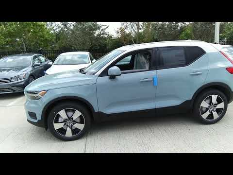 First Look 2019 Volvo Xc40 T5 Momentum In Amazon Blue
